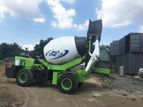 2.6cub self loading concrete mixer