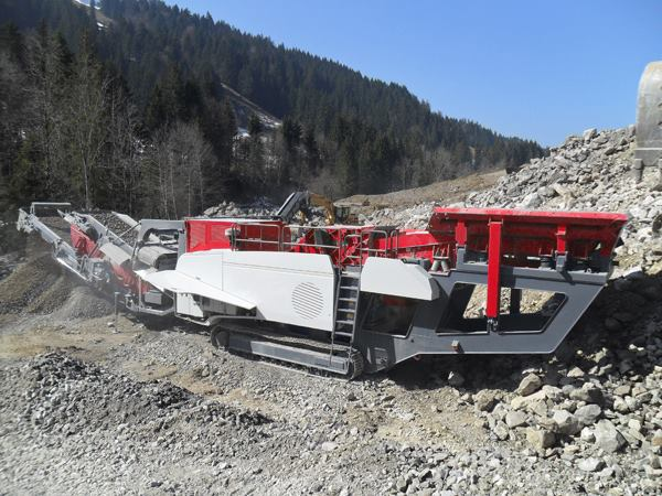 crawler type stone crusher plant for sale