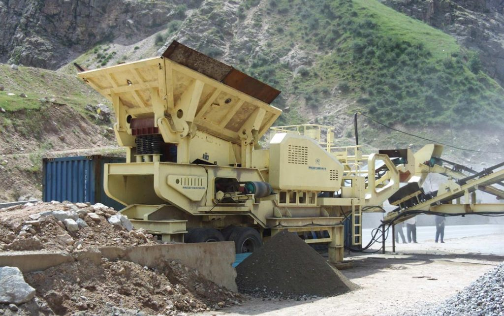 mobile stone crusher plant works in construction site