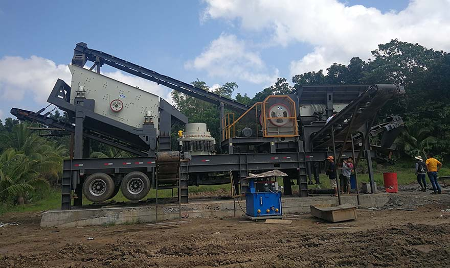 50T mobile crusher plant on construction site