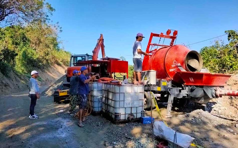 Concrete Mixer Pump For Road Construction In Lungsodng Laoag Located In North Of Manila Philippines