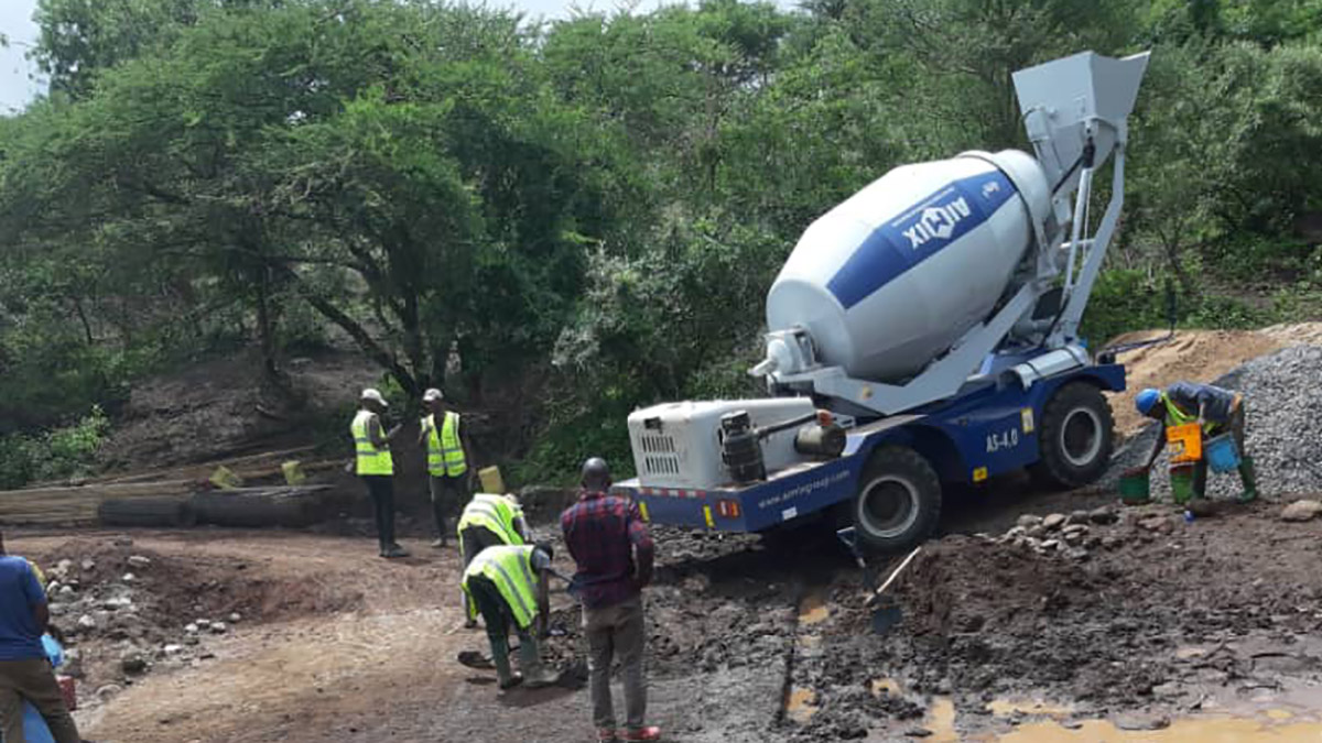AS-4.0 self loading concrete mixer in Tanzania