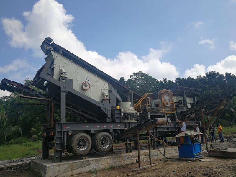 Combined mobile crusher plant